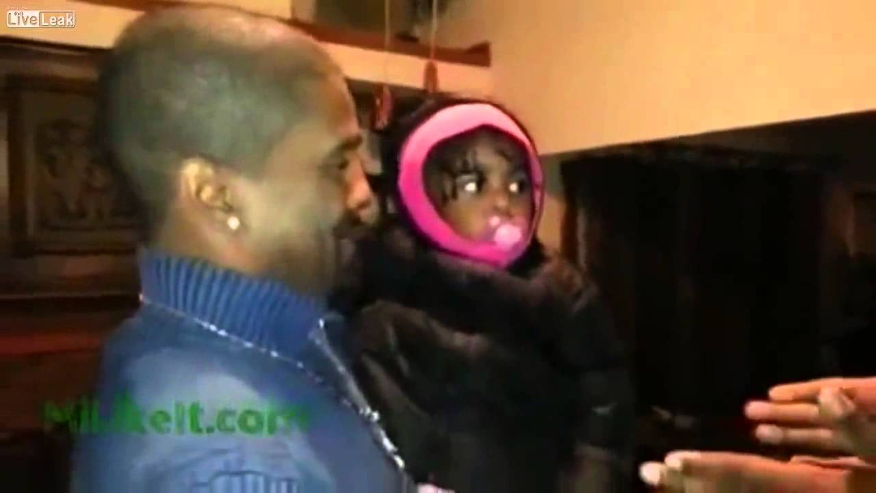 This Adorable Baby Meets Her Father's Twin For The First Time! Her Reaction Is Priceless!